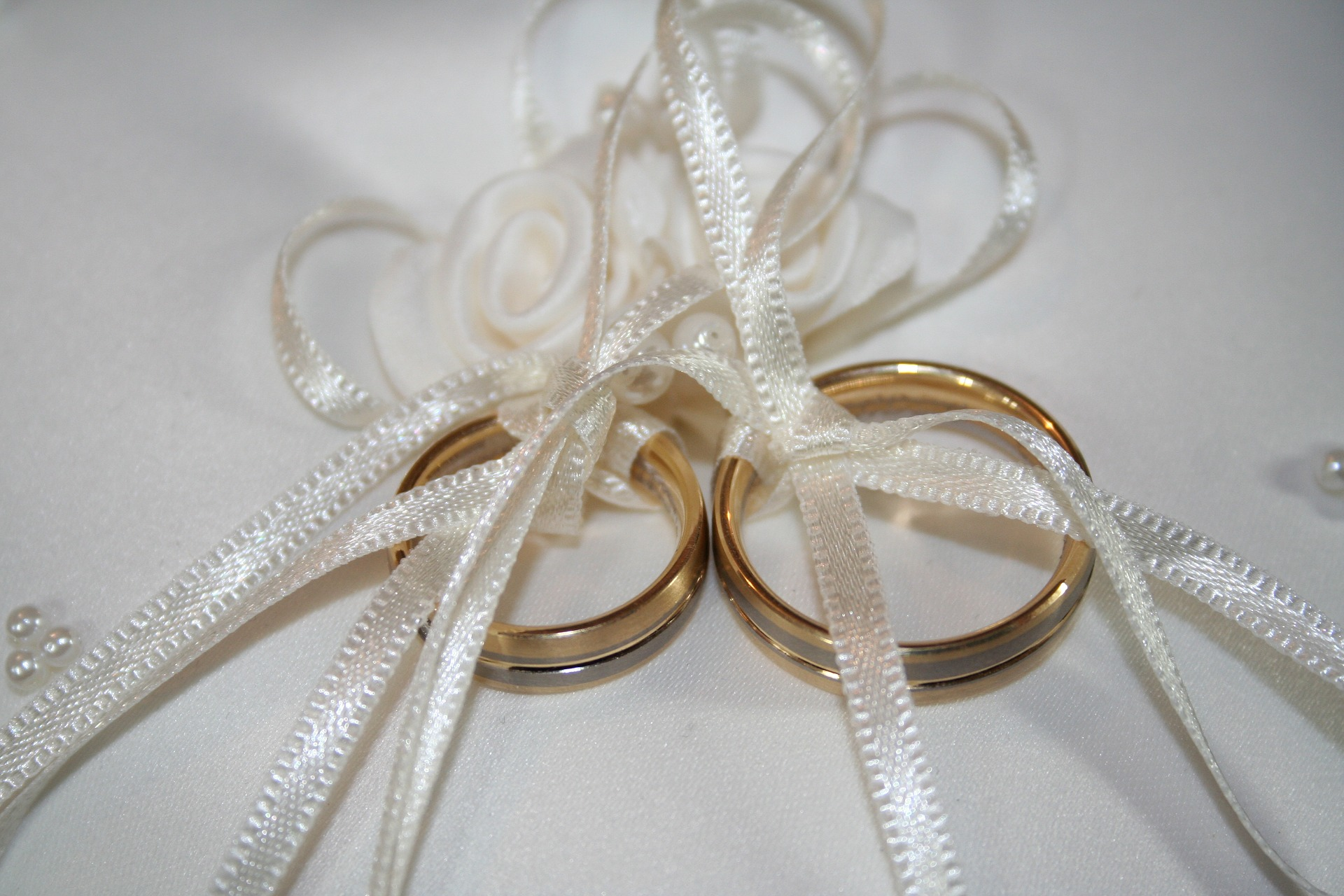 Fede, l'anello per unire due vite